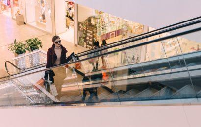 Nachts im Einkaufszentrum – Regensburger Polizei nimmt mutmaßlichen Einbrecher auf frischer Tat fest
