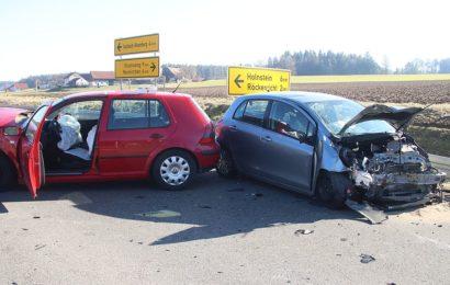 Vorfahrt missachtet – 5 Verletzte und über 20.000 Euro Sachschaden