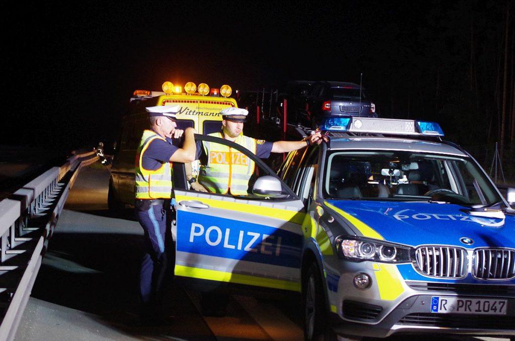 Polizei im Nachteinsatz Foto: Pressedienst Wagner