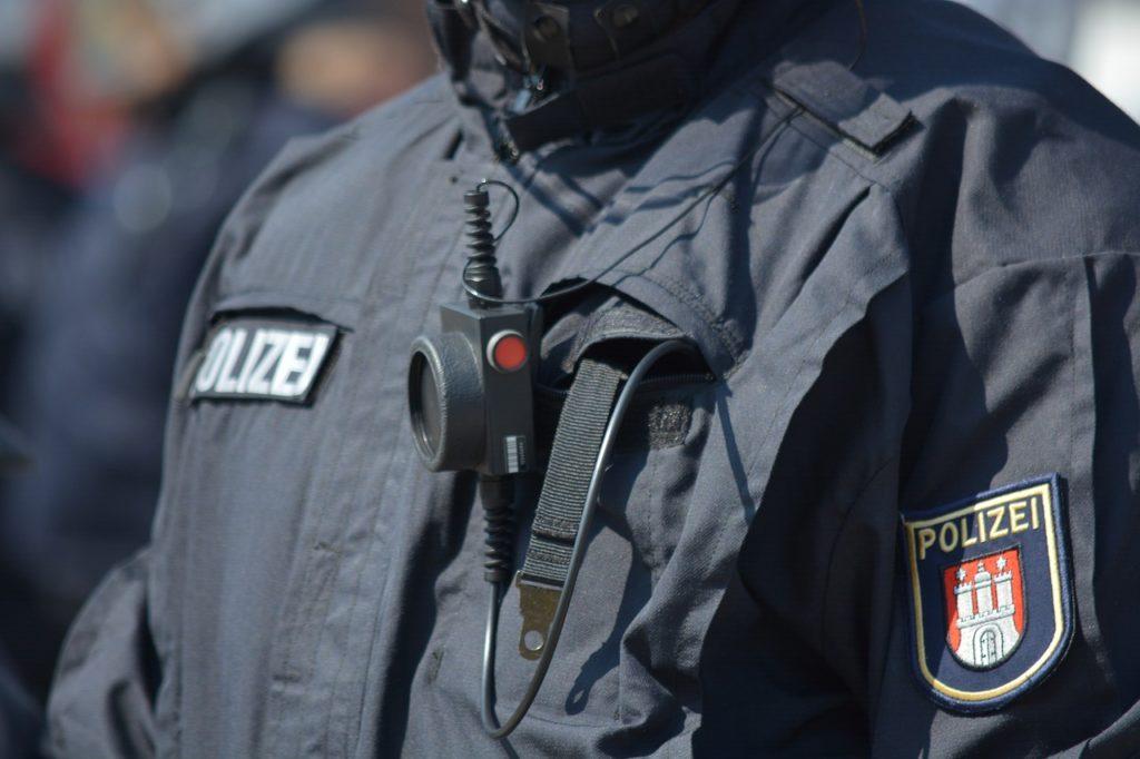 Polizist / Uniform (Symbolbild Pixabay)