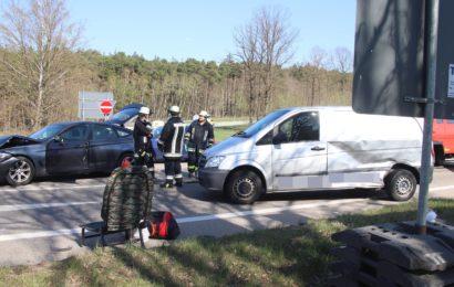 Beim Abbiegen in Teublitz Unfall verursacht