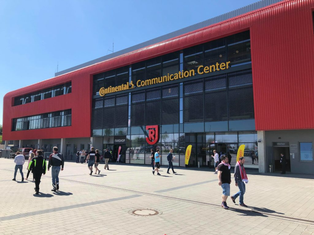 Continental-Arena des JAHN-Regensburg (Foto: Markus Häckel, LVM)