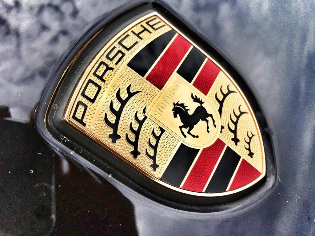Porsche Emblem (Quelle: Pixabay)