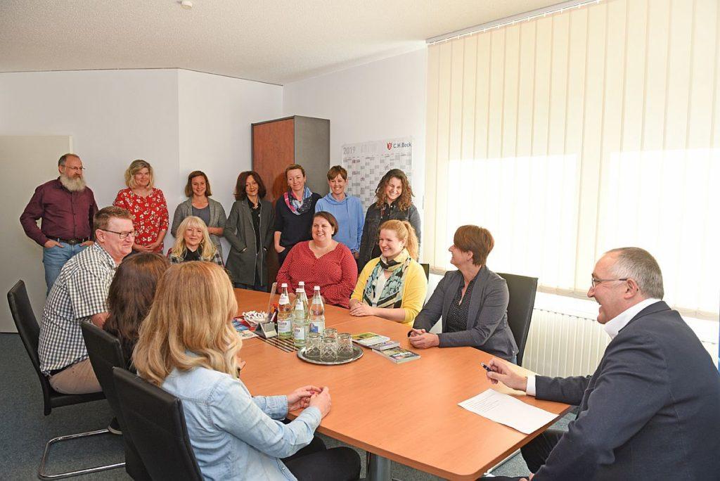 Verlagsteam des Battenberg-Gietl-Verlags bei der Arbeit