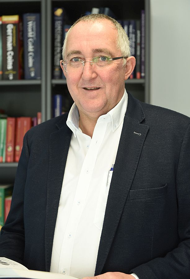 Verlagsleiter Josef Roidl