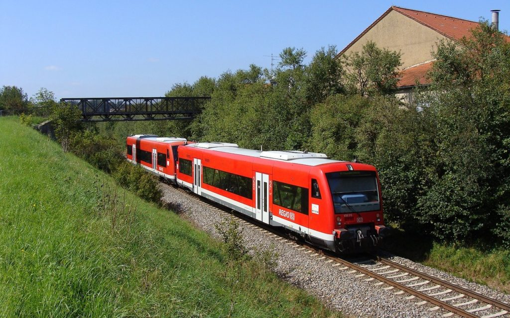 Regionalzug der DB (Symbolfoto: Pixabay)