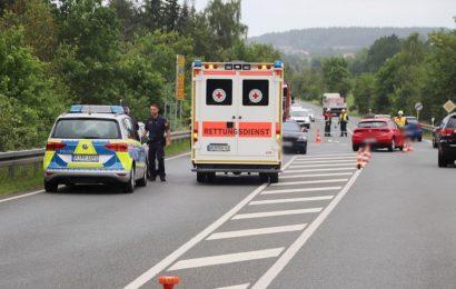 Verkehrsunfall mit 2 schwer verletzten Insassen auf der B299 bei Premenreuth