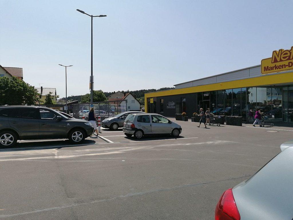 Symbolbild Supermarktparkplatz (C) Pressedienst Wagner