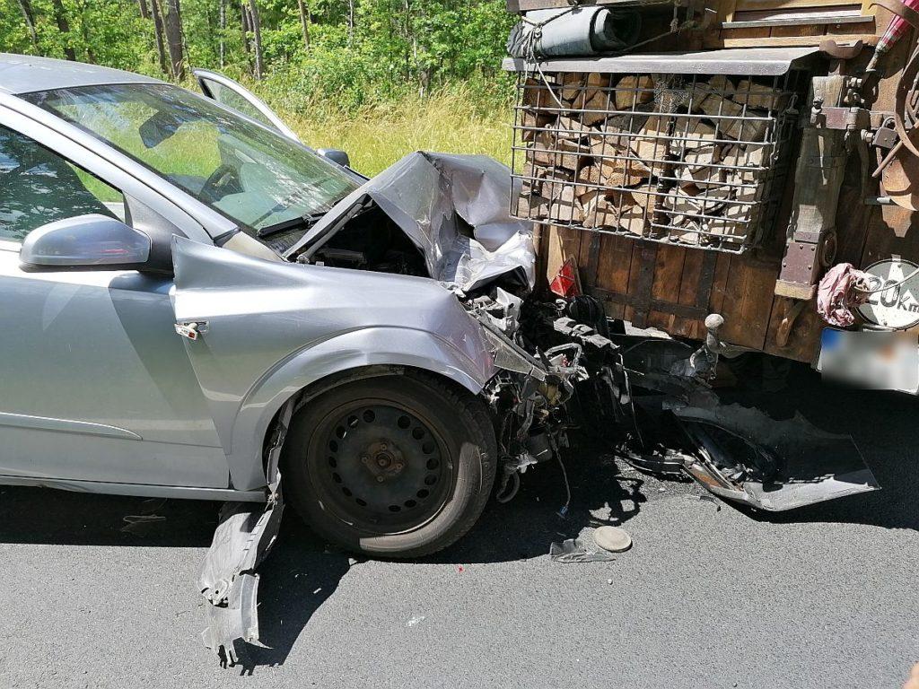 Schwerer Verkehrsunfall zwischen Amberg und Hirschau Foto: Pressedienst Wagner