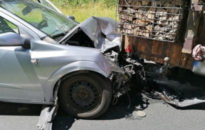 Schwerer Verkehrsunfall mit Traktor auf der ST2238 zwischen Amberg und Hirschau