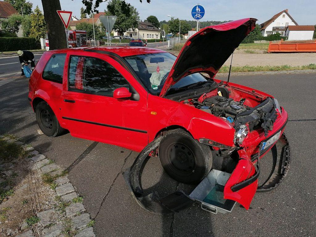 Verkehrsunfall in Poppenricht Foto: Pressedienst Wagner