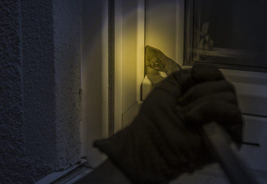 Versuchter Wohnungseinbruch in Schwandorf – Täter flüchtig