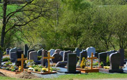 Zahlreiche Gräber in Regensburg beschädigt