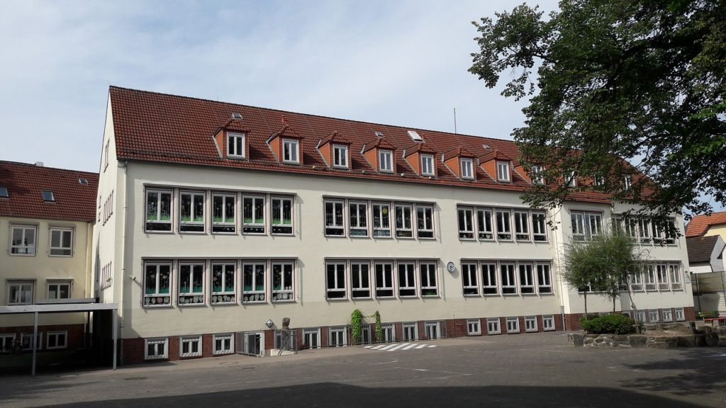 Symbolbild: Schulgebäude