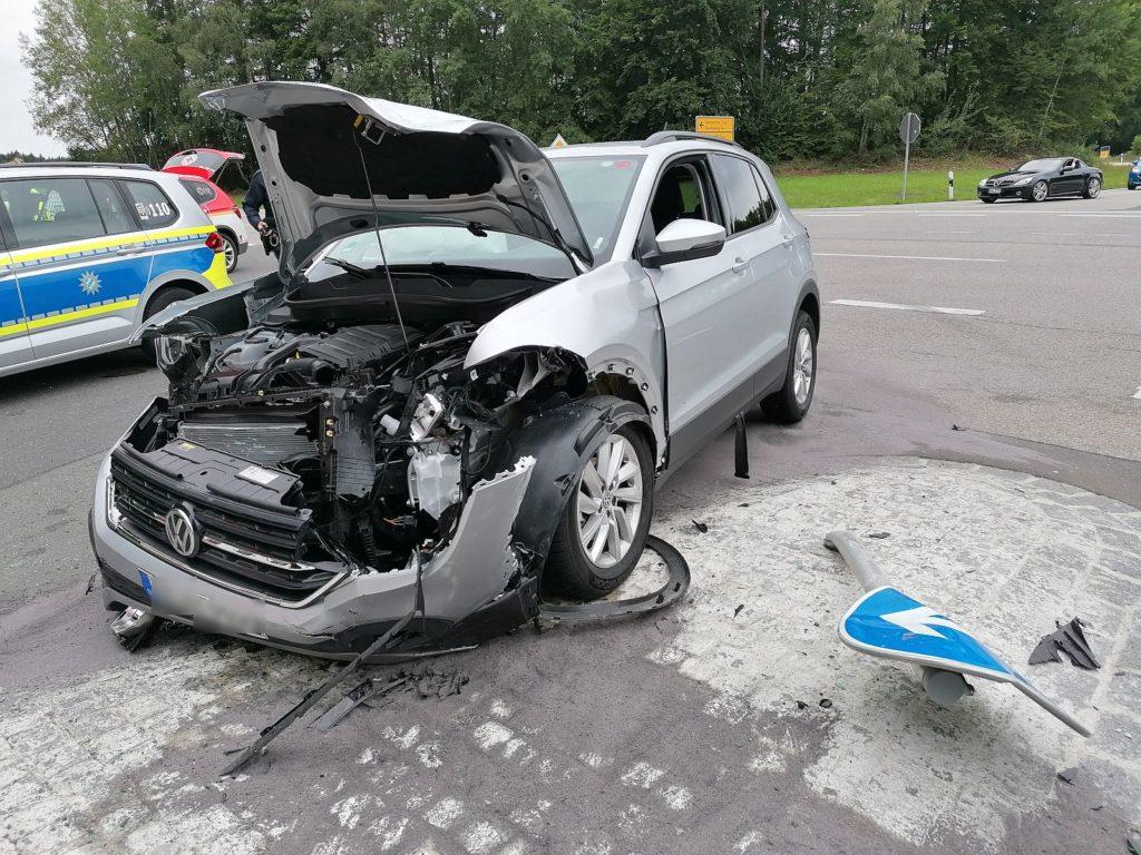 Verkehrsunfall an der Kreuzung St2164/AS1 Foto: Pressedienst Wagner