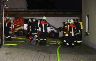 Brand neben Feuerwehrhaus