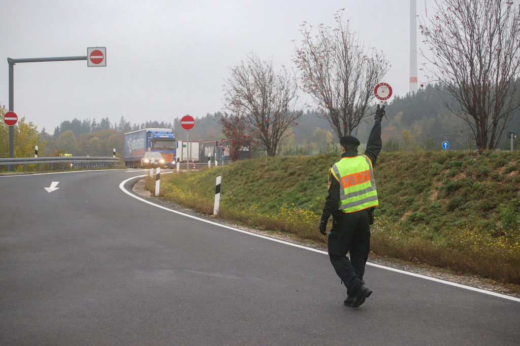 Sonderkontrolle nach Geschwindigkeits- und Abstandsmessung