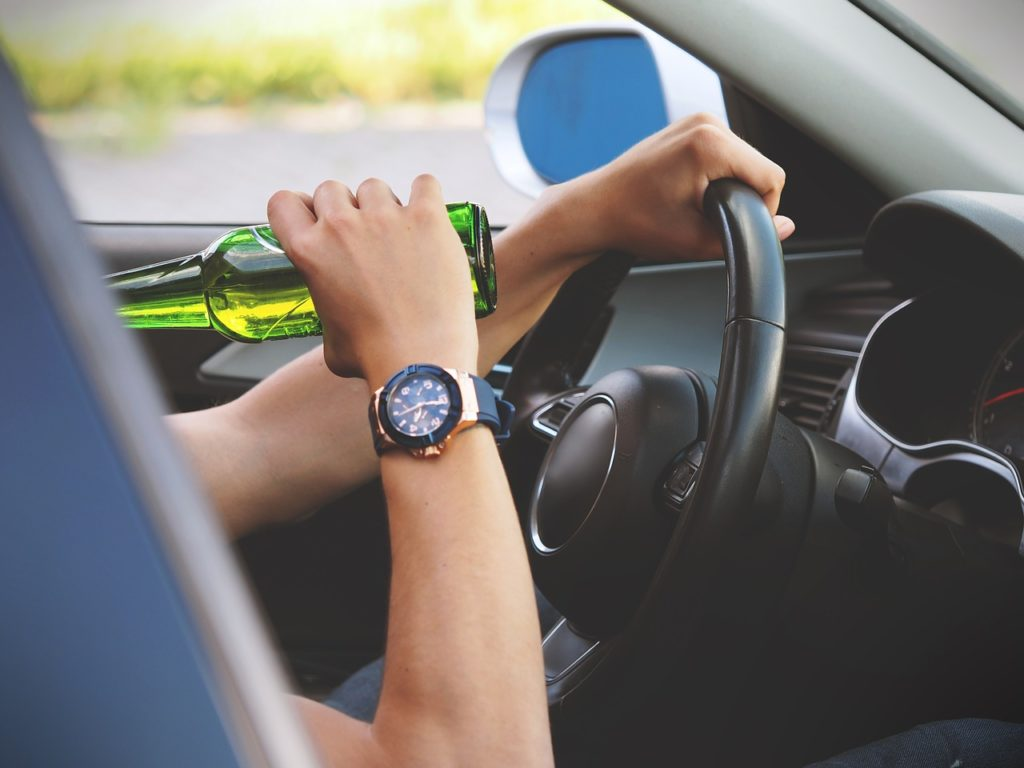 Symbolbild: Alkohol am Steuer