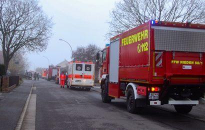 Zimmerbrand mit verletzter Person in Pilsheim