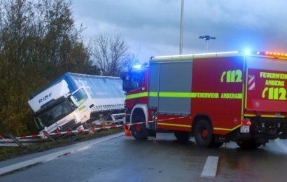 Unfall mit LKW auf der A6 bei Ursensollen