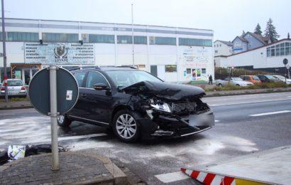 Verkehrsunfall in Amberg Foto: Pressedienst Wagner