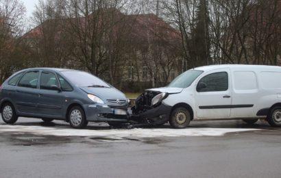 Verkehrsunfall sorgt für erhebliche Behinderungen in Amberg