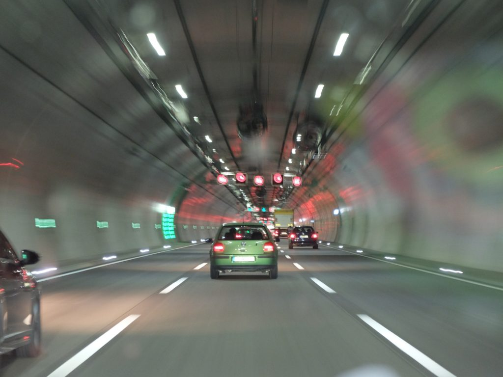 Symbolbild: Autobahntunnel