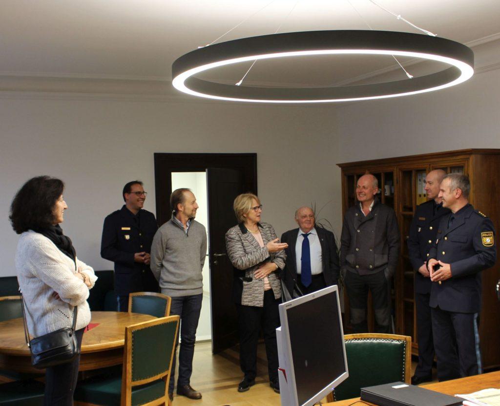 LPD Gerhard Roider empfing mit seinen Mitarbeitern Frau Ilse Danziger mit Vertretern der Jüdischen Gemeinde Regensburg Foto: Reitmeier, PI Regensburg Süd
