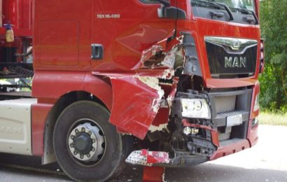 Verkehrsunfall mit einer leicht verletzten Person und etwa 3.500 Euro Sachschaden in Weiden
