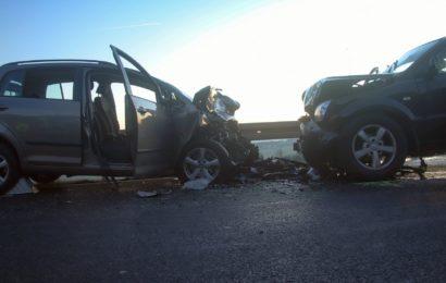 Schadensträchtiger Verkehrsunfall mit Schwerverletzten