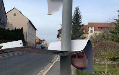 Wahlplakate zum wiederholten Male in Schwarzenfeld beschädigt