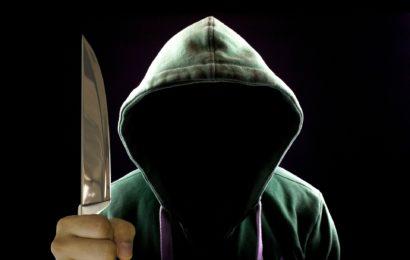 Raub unter Vorhalt eines Messers in Neumarkt