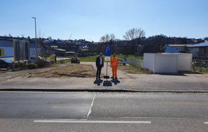 Die Gemeinde Kümmersbruck gibt 10 neue Parkplätze in der Vilstalstraße frei