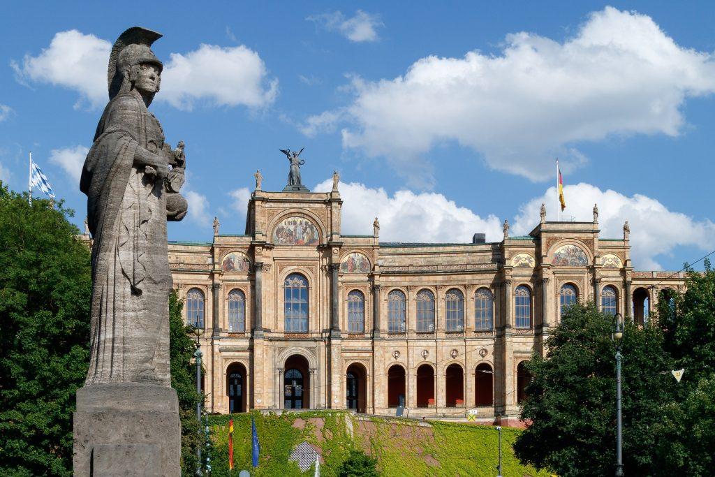 Symbolbild: Maximilianeum / Bayerischer Landtag