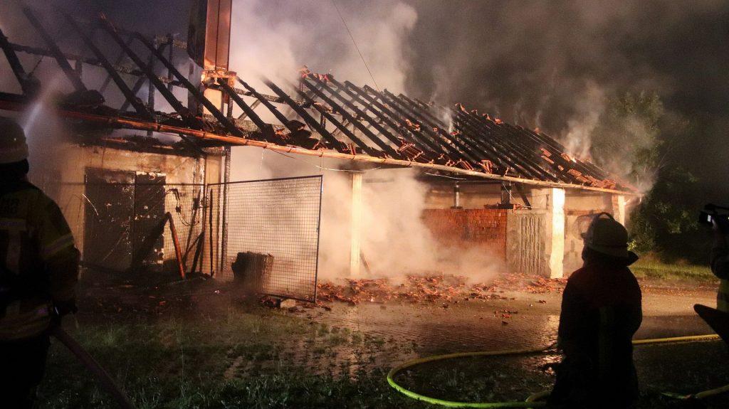 Die  Maschinenhalle brannte vollständig nieder © Pressedienst Wagner