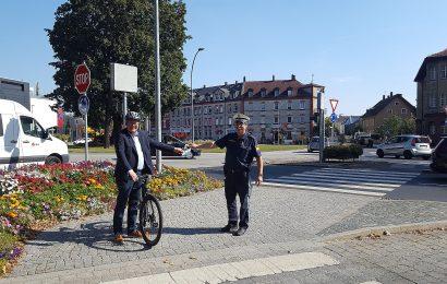 Unter zahlreichen Fahrradfahrern die über die besondere Gefahrensituation aufgeklärt wurden, befand sich auch Herr Oberbürgermeister Michael Cerny