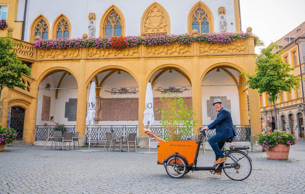 Auch Oberbürgermeister Michael Cerny gehört zu den aktiven Stadtradlern - nicht nur während der Europäischen Mobilitätswoche, die von 16. bis 22. September dauert. Foto: Simon Wiesner, Stadt Amberg