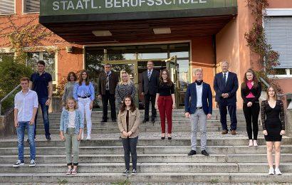 Urkunden für hervorragende Leistungen – Berufliches Schulzentrum Sulzbach-Rosenberg zeichnet die Schulbesten aus