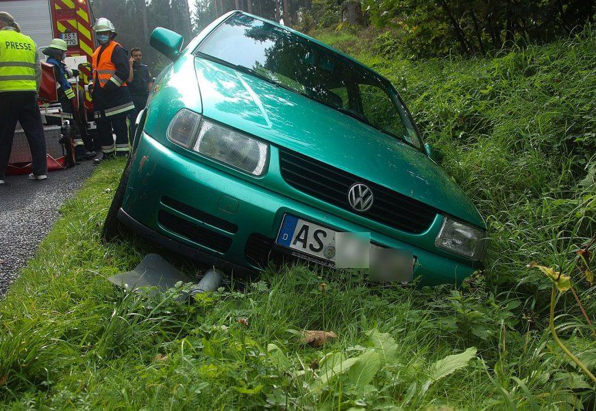 Verkehrsunfall mit Unfallflucht auf der AS2 zwischen Köfering und Waldhaus