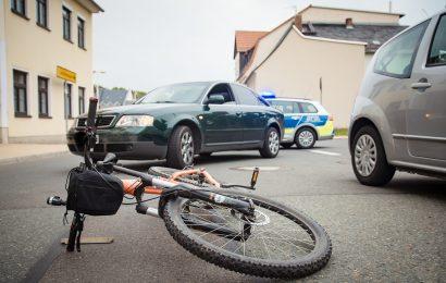 Fahrradfahrer bei Verkehrsunfall in Maxhütte-Haidhof verletzt