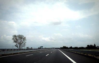 Symbolbild: leere Autobahn Quelle: Flickr.com/Martin Wehrle
