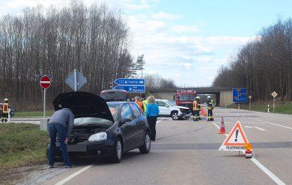 Verkehrsunfall mit hohem Sachschaden auf der Vilstalstraße bei Theuern – Zeugenaufruf
