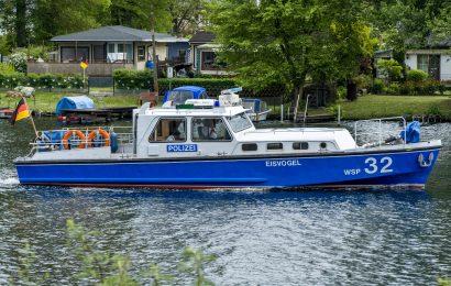 """Polizeiboot der Wasserschutzpolizei Beilngries erstrahlt nach Generalsanierung in neuem Glanz: """"Top modern und bestens ausgestattet"""""""