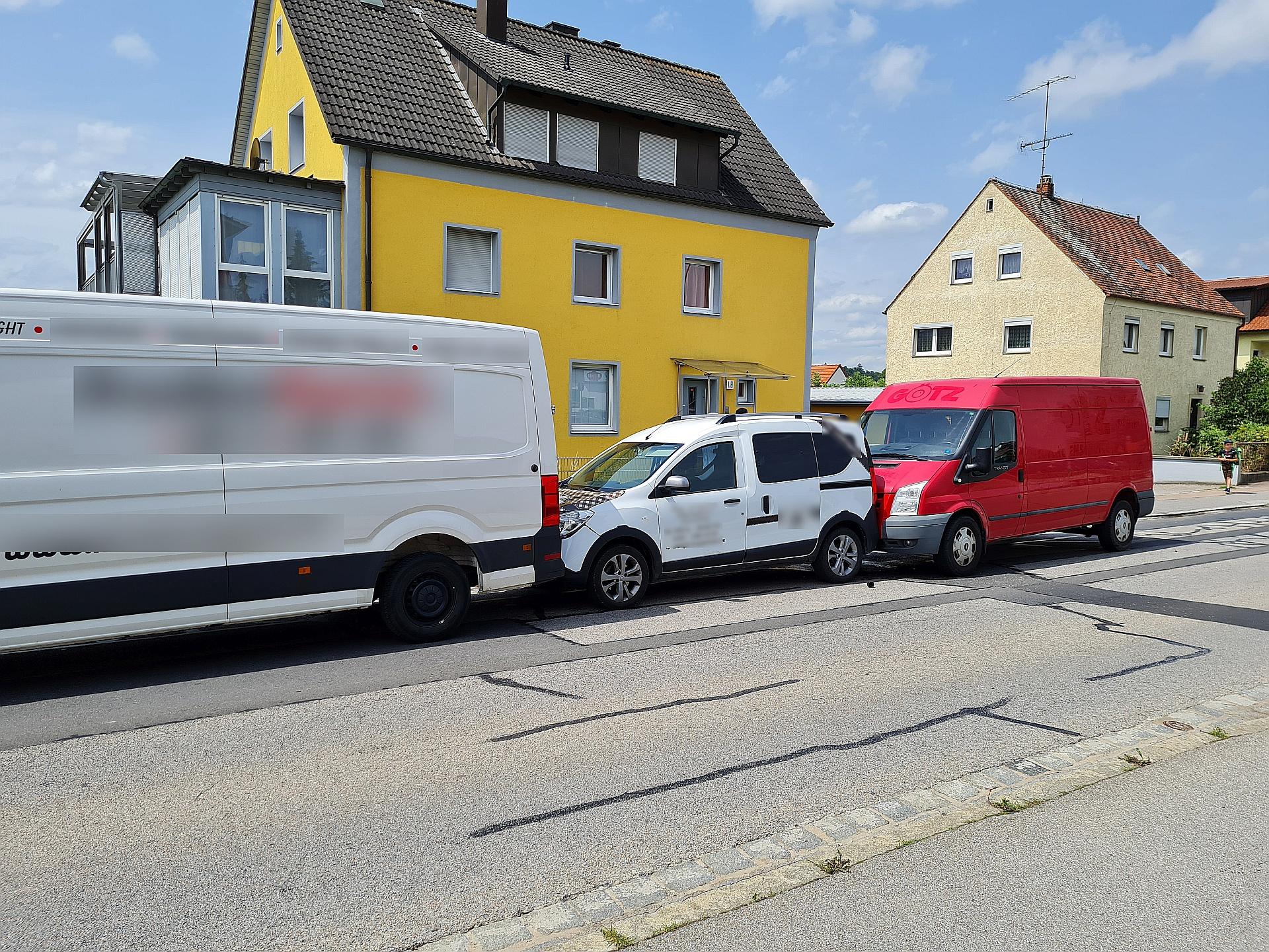 Verkehrsbehinderungen nach Auffahrunfall in Kümmersbruck