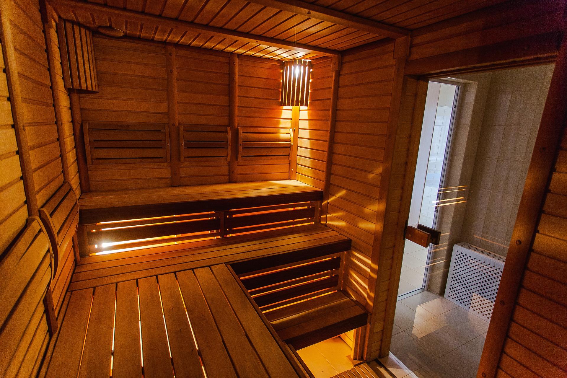 Sauna fängt in Parkstein Feuer
