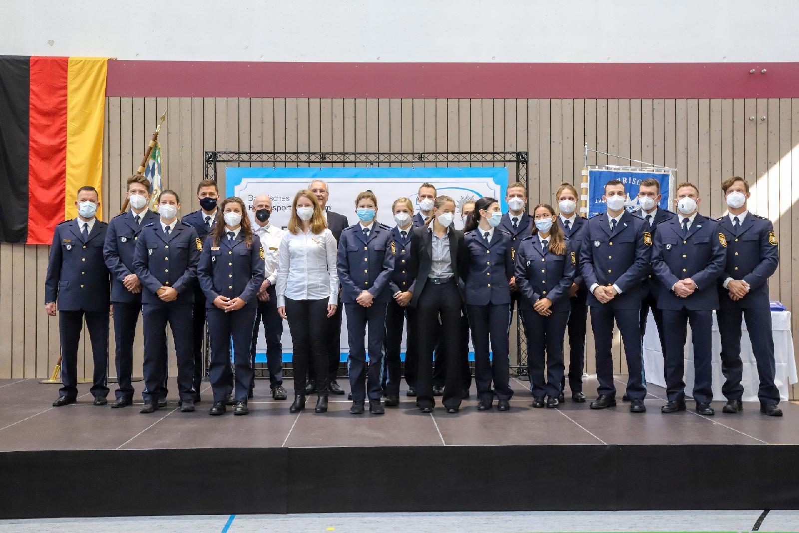 Herrmann ehrt 23 erfolgreiche Sportlerinnen und Sportler der Bayerischen Polizei für ausgezeichnete Leistungen
