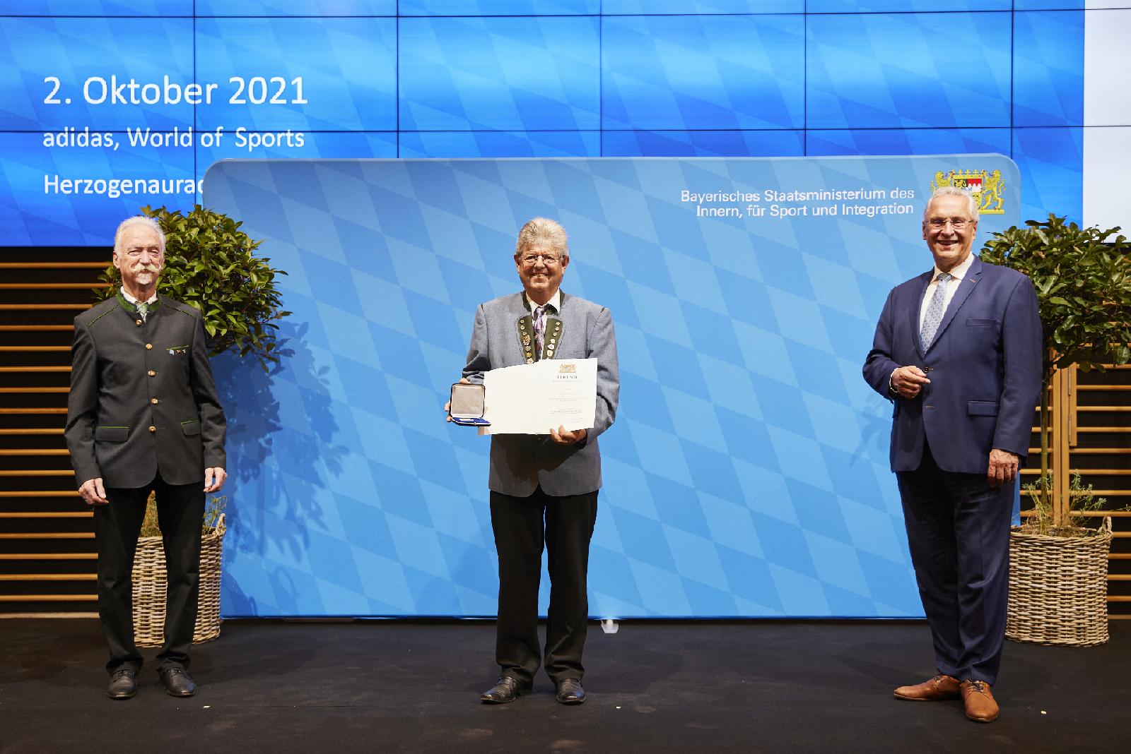 Herrmann bei der Verleihung der Ehrenmedaille für besondere Verdienste um den Sport in Bayern