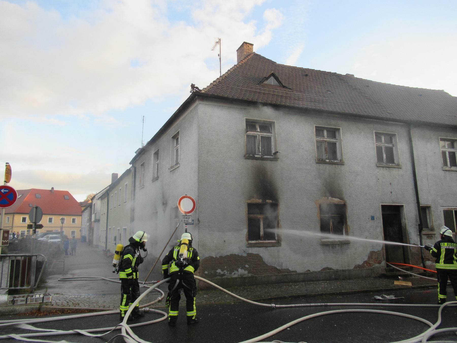 Kaminofen verursacht Brand in Floß