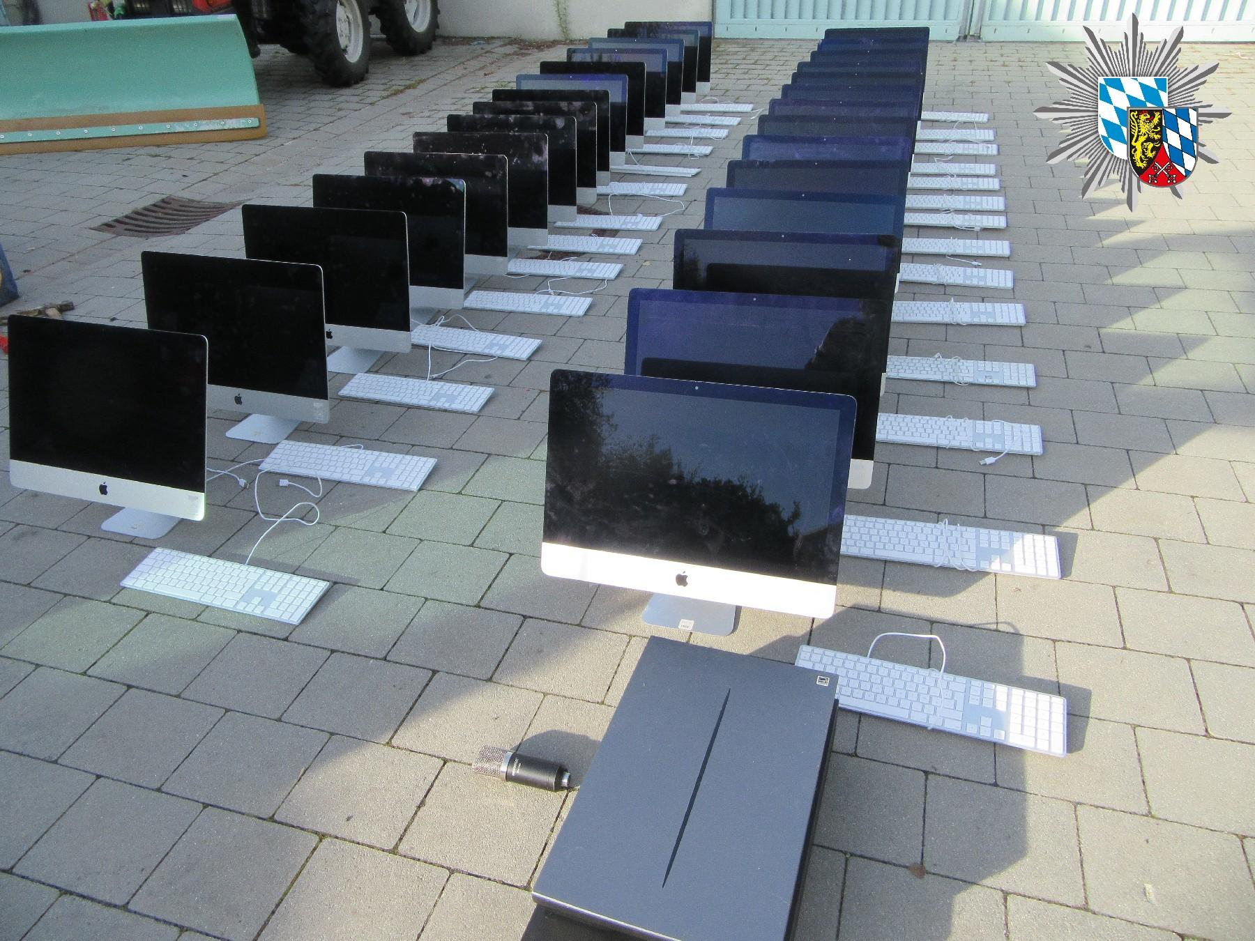 Waidhauser Grenzpolizei stellt gestohlene iMacs im Wert von über 60.000 Euro sicher